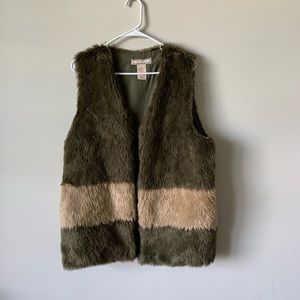 Flying tomato faux fur penny lane color block vest